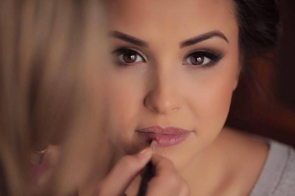 De ce sa alegem un make-up artist