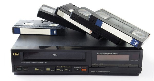 Ai prin casa aceste filme pe VHS ? Pot valora 12.000 dolari!
