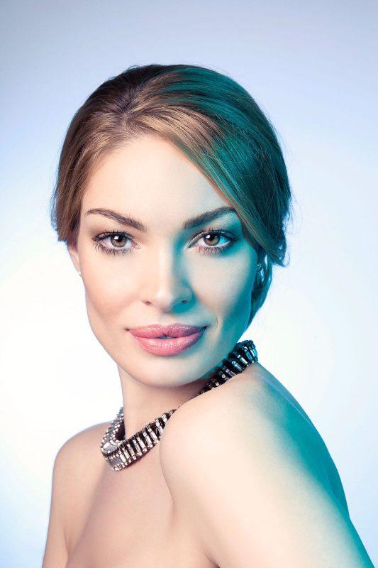 Te casatoresti anul acesta? Elene Ciftci ne spune care sunt tendintele anului 2017 in materie de make-up!