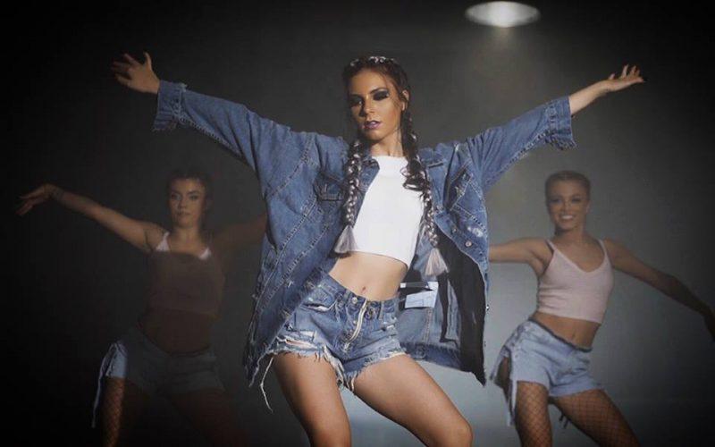 Videoclip nou lansat de SARAH in colaborare cu celebrul fotograf Alexandru Zainea