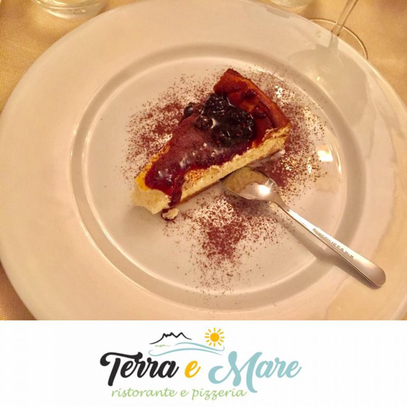 Cheesecake cu fructe de padure, prajitura perfecta pentru weekend!