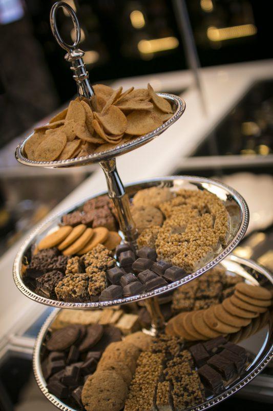 Genial! S-a inventat dieta cu chips-uri şi ciocolată!