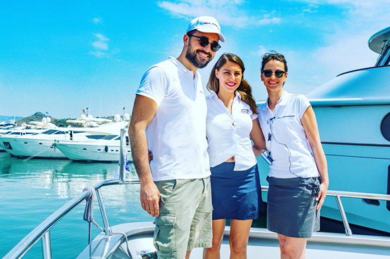 5000 de euro dacă te faci însoțitor de bord pe yacht