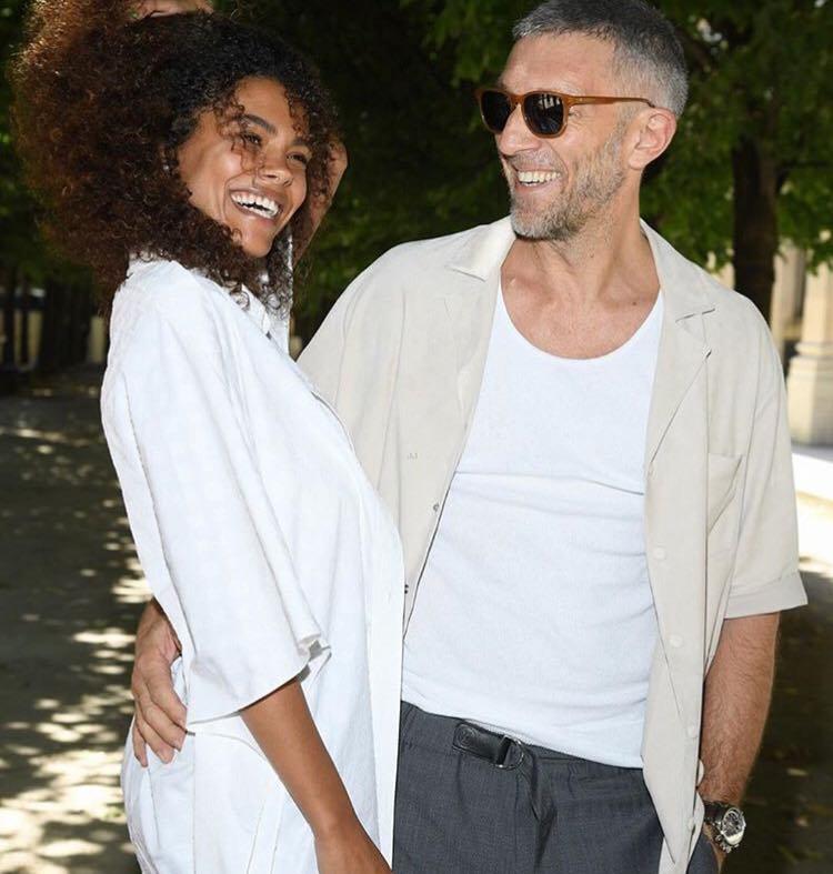 Actorul Vincent Cassel s-a căsătorit cu modelul Tina Kunakey