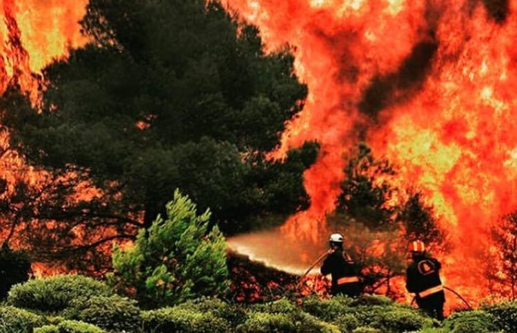 Risc ridicat de incendii pe insula Rhodos