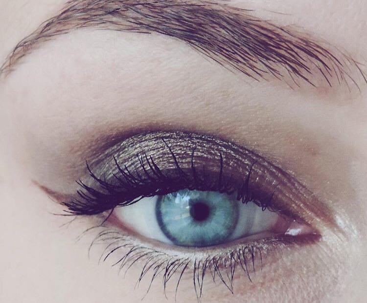 Ce se spune despre oamenii cu ochi albaștri