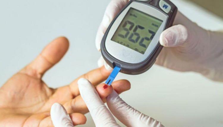 Bolnavii de diabet vor beneficia de sisteme de monitorizare a glicemiei decontate