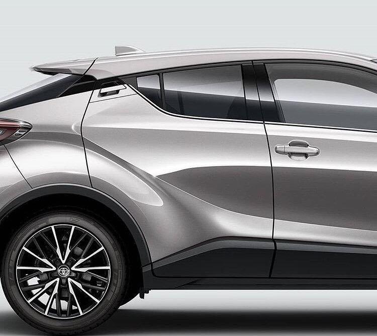 Toyota recheamă în service un milion de automobile hibride
