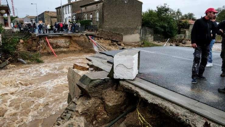 Inundaţii devastatoare în Franţa. 13 oameni au murit înecați