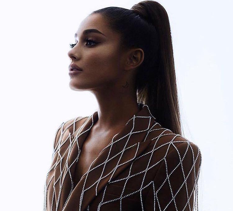 Ariana Grande a refuzat titlul oferit de regina Marii Britanii