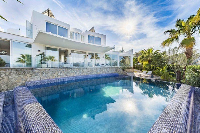 Casa de vacanță a lui Alexander McQueen, vândută