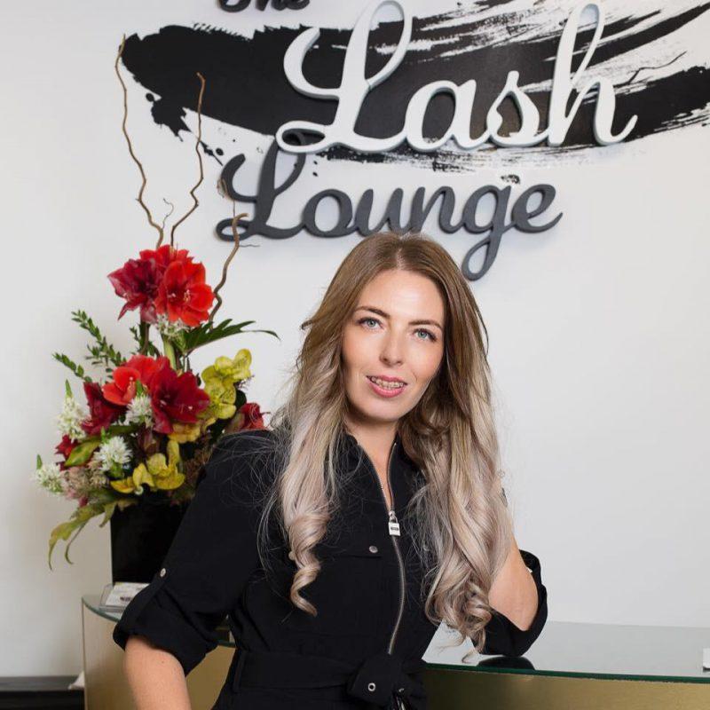 """Miruna Vasile, manager """"The Lash Lounge"""": """"Am renunțat la 14 ani de asigurări"""""""