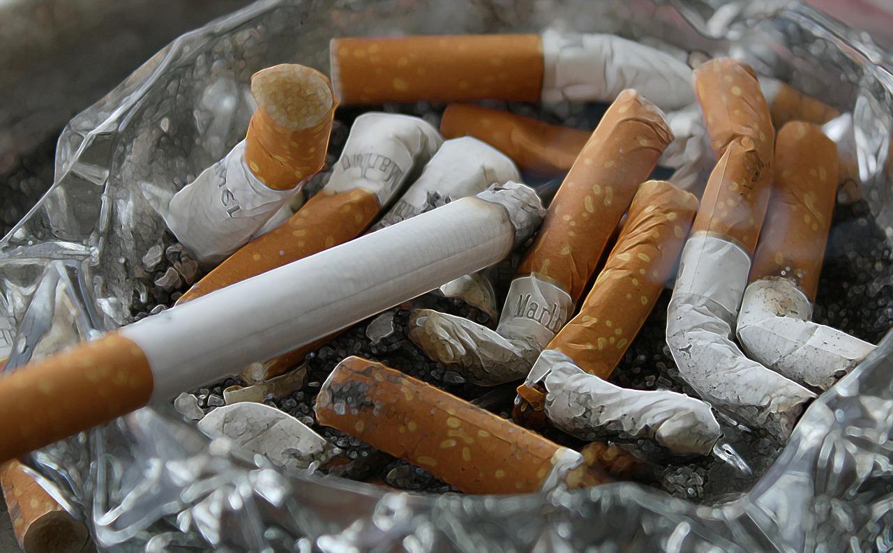 56% dintre copii fumează prima țigară la vârsta de 12 ani
