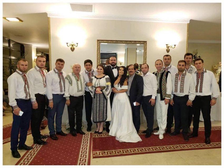 Fancisca a chefuit la nuntă până în zori