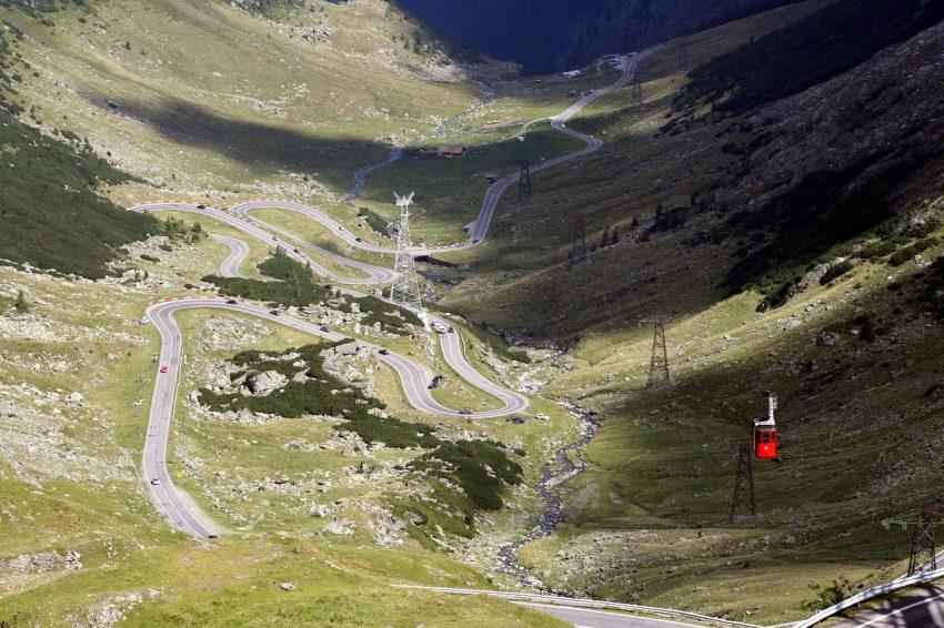 Transfăgărăşanul, în top 10 cele mai spectaculoase drumuri