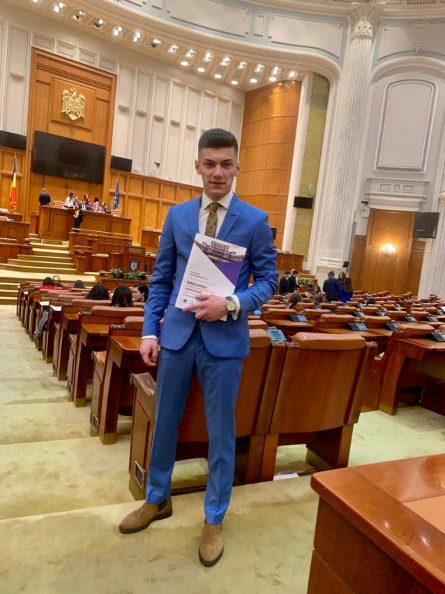 """Andrei Olariu a fost premiat în cadrul galei """"I Success – Bărbați de succes"""""""