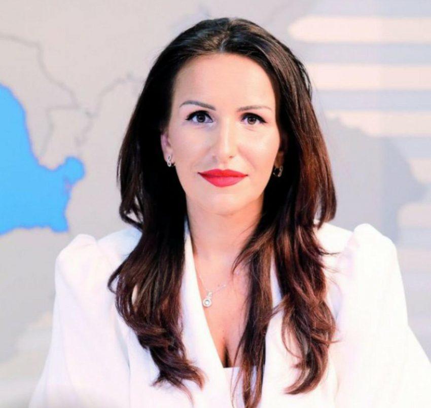 """Apreutese Loredana a fost premiată în cadrul galei ,,I Success – Femei de succes"""" 2020"""