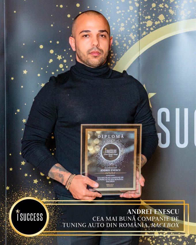 """Andrei Enescu şi Adrian Drilea au primit premiul pentru ,,Cea mai bună companie de tuning auto din România"""" Racebox"""