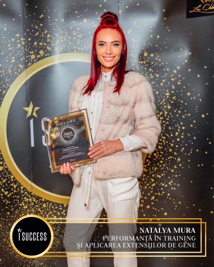 """Natalya Mura a primit premiul pentru ,,Performanţă în training şi aplicarea extensiilor de gene"""""""