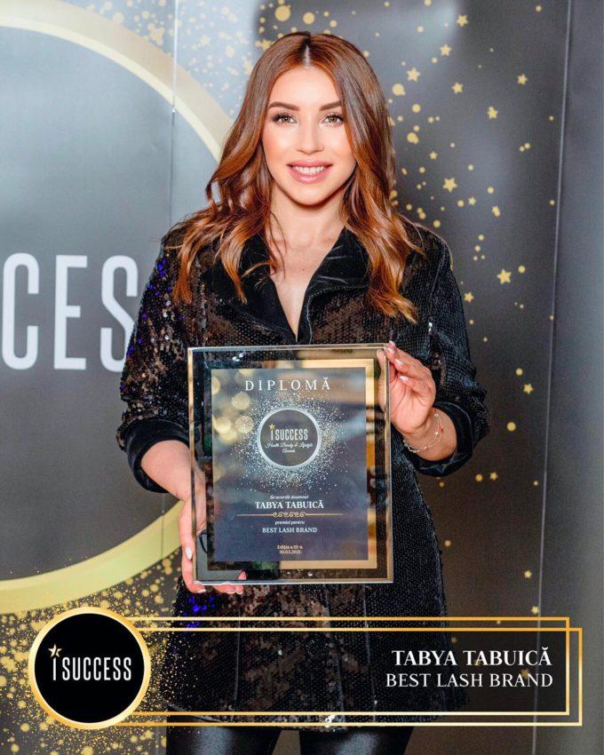 """Tabya Tabuică a primit premiul pentru ,,Best Lash Brand"""""""