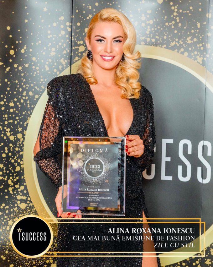 """Alina Roxana Ionescu a primit premiul pentru ,,Cea mai bună emisiune de Fashion – Zile cu Stil""""!"""
