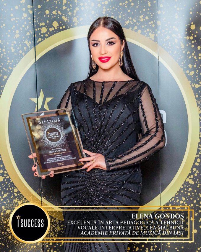 """Elena Gondoş a primit premiul pentru ,,Excelenţă în arta pedagogică a tehnicii vocale interpretative, cea mai bună Academie Privată de Muzică din Iaşi"""""""