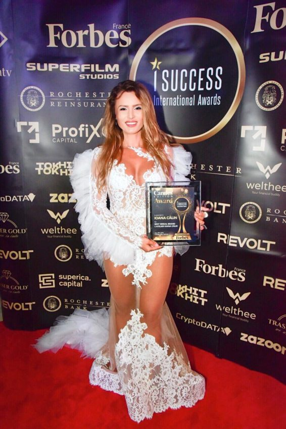 """Ioana Călin a primit premiul pentru,,Best Bridal Brand"""" la gala I Success Awards – Cannes Edition"""