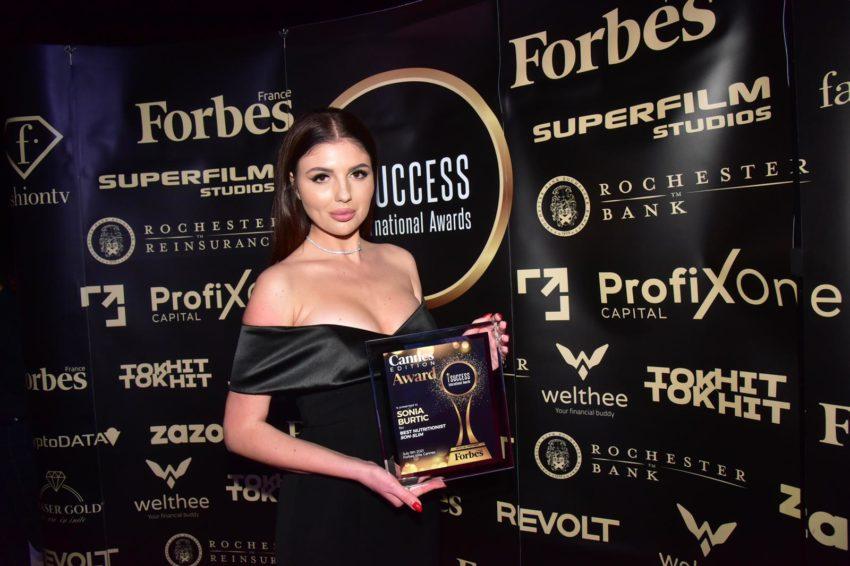 """Sonia Burtic a primit premiul pentru,,Best Nutritionist"""" la gala I Success Awards – Cannes Edition"""